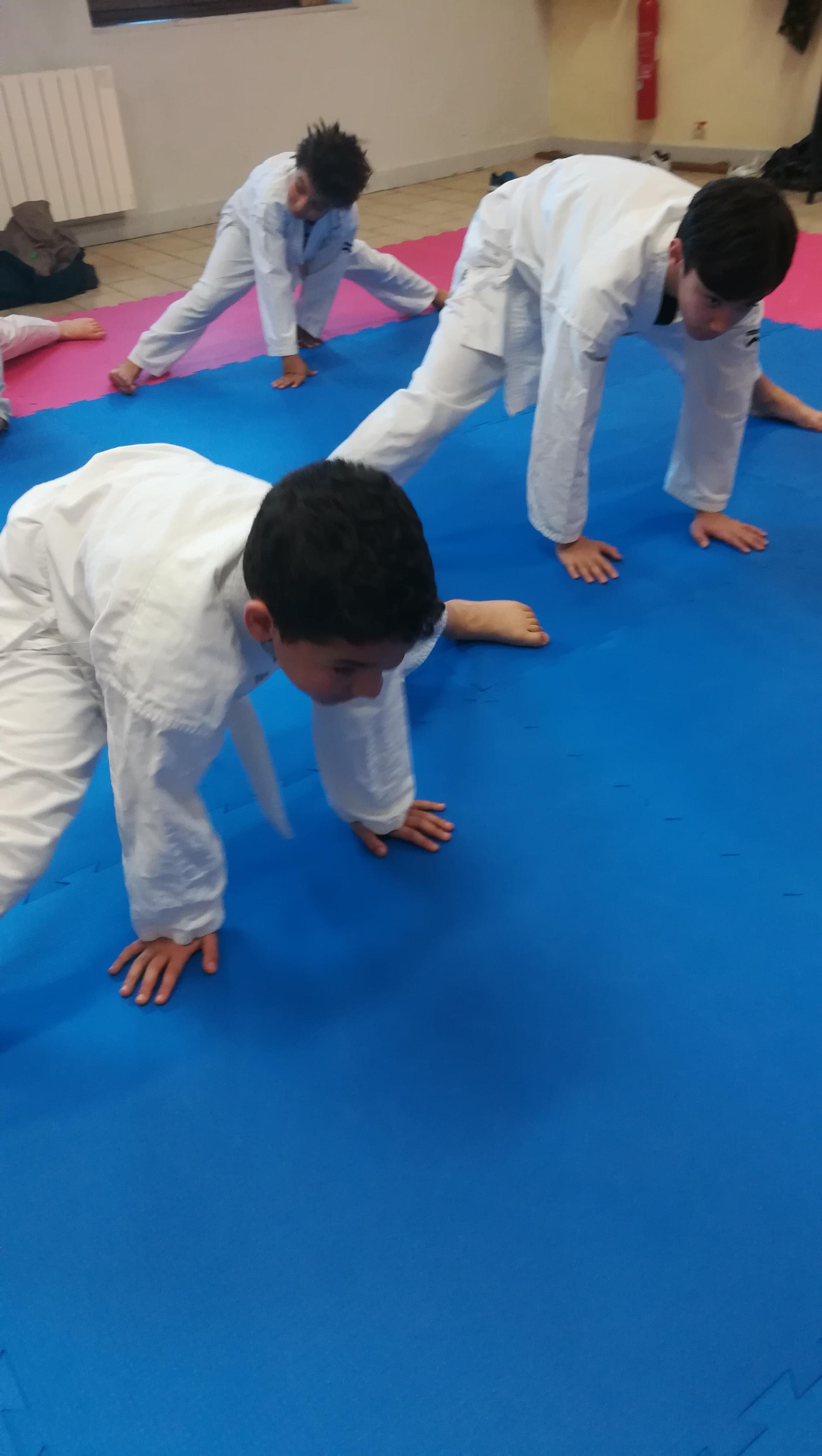 Cours karaté enfants Lozanne